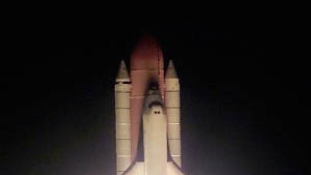 Reparatur-Flug zum Hubble-Teleskop unterwegs