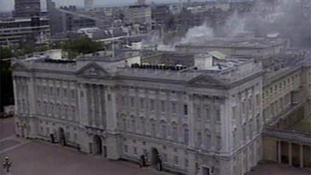 Thronjubiläums-Konzert trotz Brandes im Buckingham-Palast