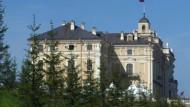 Putin lädt in den barocken Konstantin-Palast
