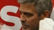 Bei einer Demonstration in Washington vor der Botschaft des Sudan ist Hollywoodstar George Clooney festgenommen worden.