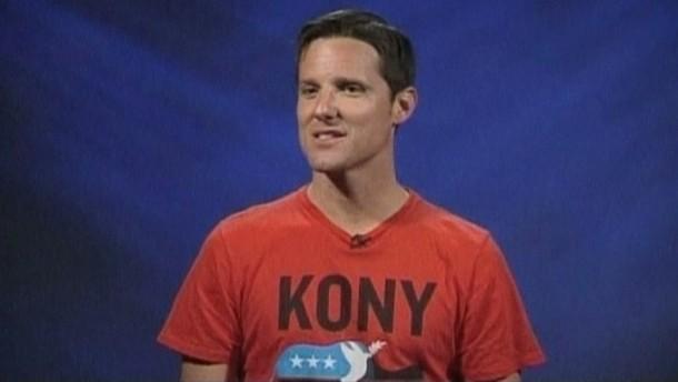 Der Regisseur des berühmten Internet-Videos 'Kony 2012' ist in eine Klinik eingeliefert worden.