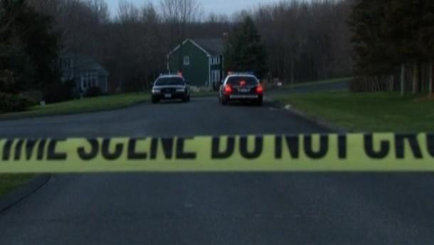 """Allerdings sprach die Polizei bereits davon, dass sie """"einige sehr gute Hinweise"""" auf das Motiv des Täters habe."""