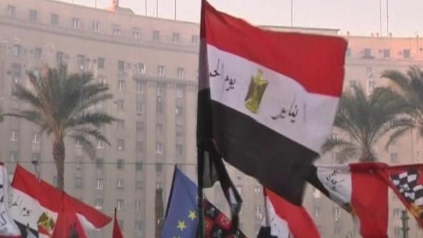 Die Ägypter haben laut den Muslimbrüdern die neue islamistisch geprägte Verfassung offenbar gebilligt.