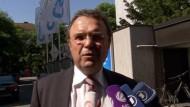 Bundesinnenminister Hans-Peter Friedrich (CSU) hat die US-Geheimdienste gegen Kritik in Schutz genommen.