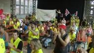 Im Streit um höhere Löhne beim Internet-Versandhändler Amazon hat die Gewerkschaft Verdi die Zügel angezogen.