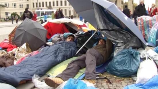 Flüchtlinge weiter im Hungerstreik