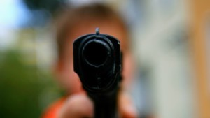 Deutscher schießt mit Gasdruckwaffe auf Somalier