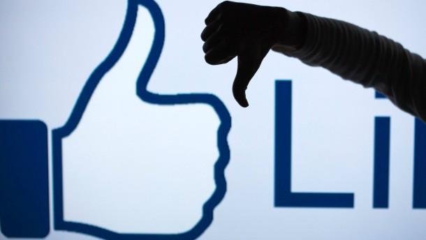 Lehrer sollen Facebook meiden