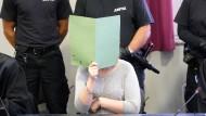 Die Angeklagte wurde wegen sexueller Nötigung verurteilt, ihr Ex-Partner erhielt eine lebenslange Haftstrafe.