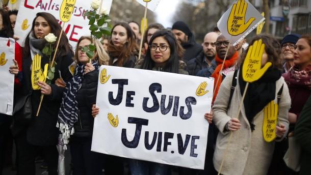 Schweigemarsch in Paris als Wiedergutmachung