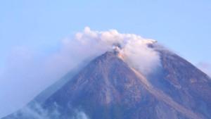 Vulkan Merapi auf Java ausgebrochen
