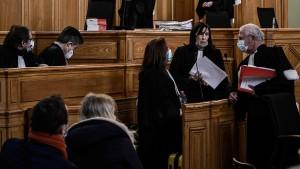 Ehemaliger Chirurg wegen Vergewaltigung zu 15 Jahren Haft verurteilt