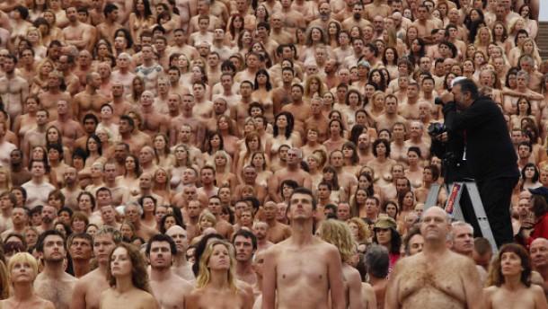 News: Mann und zwei Frauen mit Nacktfotos erpresst -