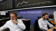 Dax verliert fast 500 Punkte - Dow Jones tief im Minus