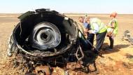 Russisches Flugzeug brach schon in der Luft auseinander