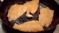 Lachsforelle mit Polenta und Salsa Verde