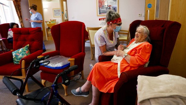 Mehr als 20.000 Todesfälle in britischen Altenheimen?