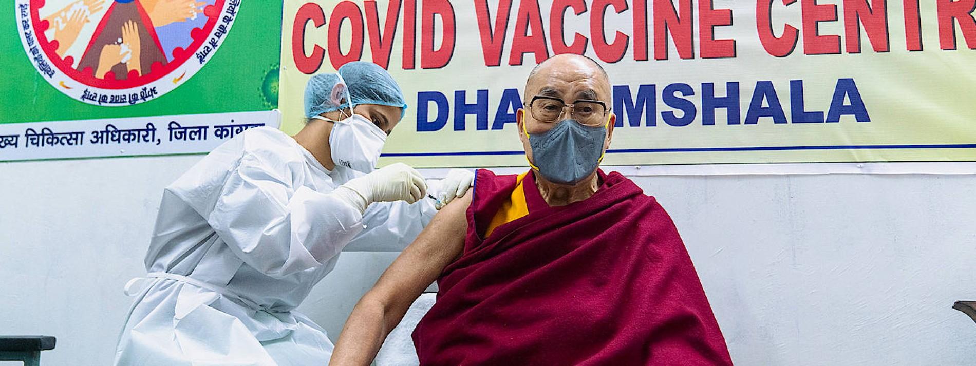Dalai Lama erhält erste Impfung mit Astra-Zeneca