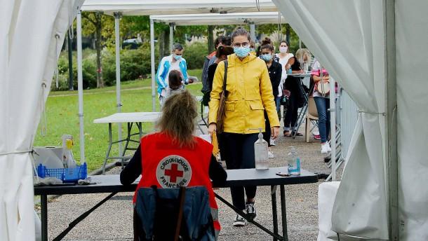 Wieder mehr als 10.000 Neuinfektionen in Frankreich