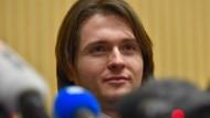 Vom Gefängnis ins TV-Studio: Raffaele Sollecito an der Medienkonferenz vom 30. März 2015 ein Jahr nach seinem Freispruch.