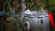 In einem Regenfass entdeckte die Essener Polizei die Leiche eines älteren Mannes. (Archivbild)