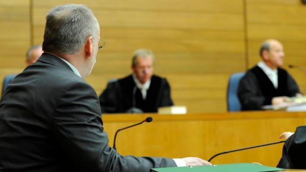 Gewalttätiger Polizeichef zu Bewährungsstrafe verurteilt