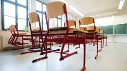 Ministerium will Messerstich auf Lehrerin aufarbeiten