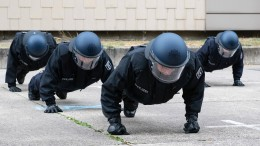 Polizeischüler wegen rechtsextremer Äußerungen suspendiert