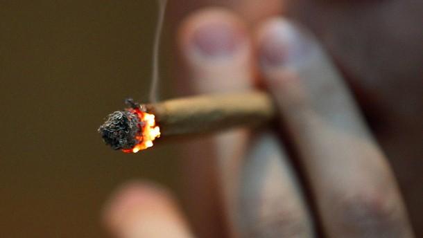 Drogenkonsum unter Schülern steigt deutlich