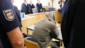 Lebenslange Haftstrafe für Stiefvater