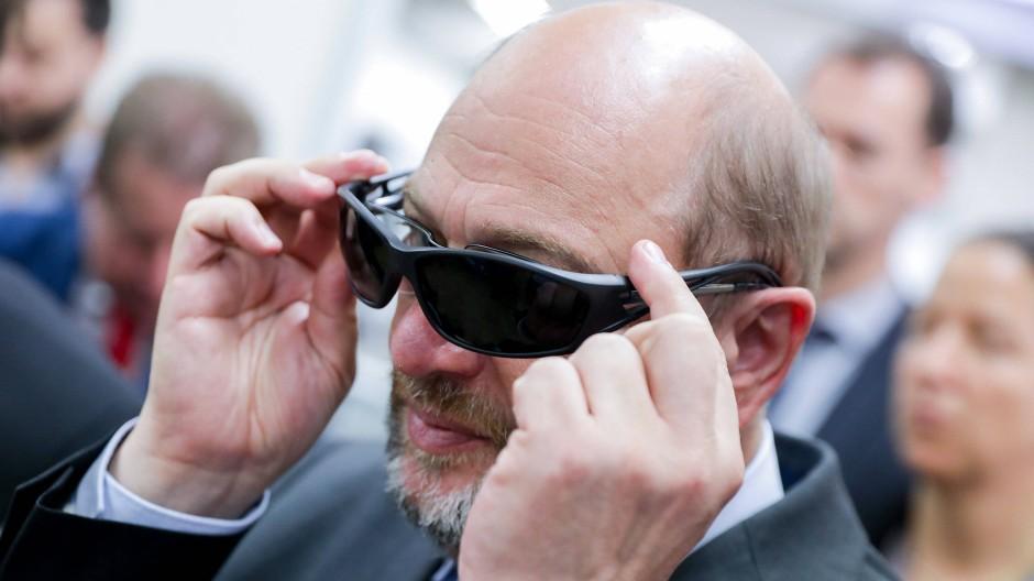 Ob Martin Schulz auch mit dieser Brille punkten könnte?