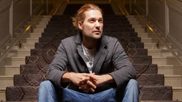 David Garrett - Der geigespielende Popstar spricht in Berlin mit Jan Hauser über sein aktuelles Album, das am 12. Oktober 2012 erscheint.