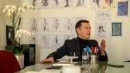 Alles vorgezeichnet: Pier Paolo Righi führt die Geschäfte der Marke Karl Lagerfeld im Sinne des Designers weiter.