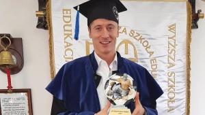 Wie hat sich Robert Lewandowski als Student gemacht?