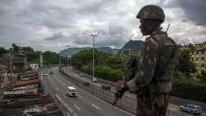 Streitkräfte sollen Kontrolle in Rio übernehmen