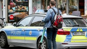 Deutlich mehr beschlagnahmte Führerscheine wegen E-Scooter-Fahrten