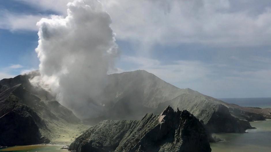 White Island zieht jedes Jahr zahlreiche Touristen an. Nach dem Vulkanausbruch stellt sich aber die Frage, ob das überhaupt zu verantworten war.