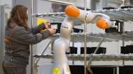 Seit an Seit mit dem Roboter: Industrie 4.0 lässt grüßen