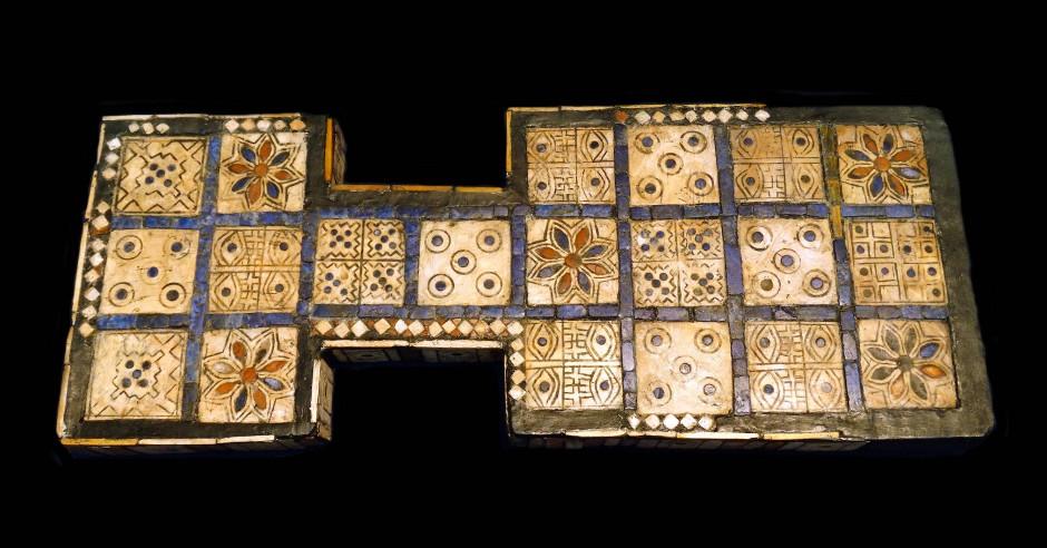 Dieses königliche Spielbrett aus Ur stammt bereits aus dem Zeitraum von 2600 bis 2400 vor unserer Zeitrechnung.