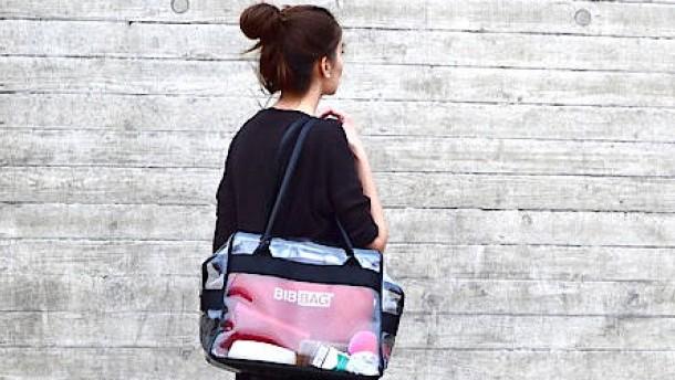 Eine Tasche trotz Taschenverbots an den Hochschulen