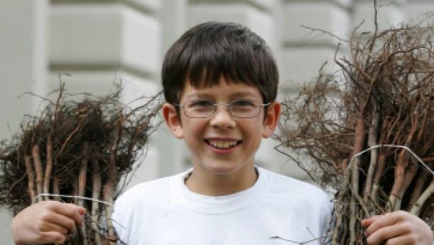 Ein Junge für eine Million Bäume