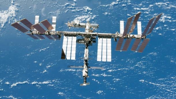 ISS weicht Weltraumschrott aus