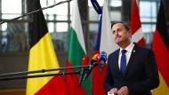 """Nach Recherchen des Magazins """"reporter.lu"""" hat der luxemburgische Premierminister Xavier Bettel in seiner wissenschaftlichen Abschlussarbeit eine rekordverdächtige Plagiatsquote erreicht."""