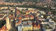 Auch 25 Jahre nach dem Mauerfall könnten viele Deutsche Jena nicht auf der gesamtdeutschen Landkarte markieren. Dabei lohnt es sich, Jena zu entdecken.