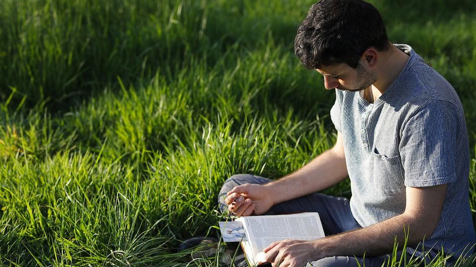 """Der """"Flow"""" beim Lesen ist nicht so leicht zu haben, wie der in einer Sportart, doch seine Herbeiführung kann sich in besonderem Maße lohnen."""