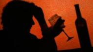 Wer alkoholkrank ist, kann oft nicht auf die Hilfe der Ärzte hoffen.