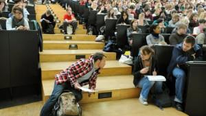 Zehntausende zusätzliche Studienanfänger erwartet