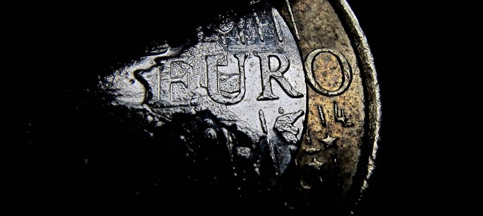 Euro: Tot bis Weihnachten? - Eurokrise - FAZ