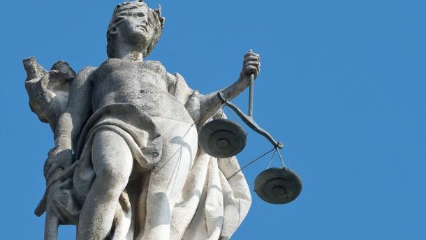 Bildet Anwälte des Rechts, nicht Rechtstechniker