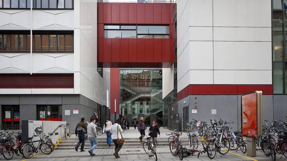 Noch immer mit Klischees belastet: Studium an einer ostdeutschen Uni – hier ein Blick auf das Hauptgebäude der Uni Leipzig.
